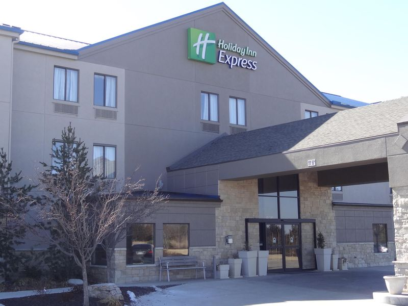 Holiday Inn Express - Bonner Springs Featured Image