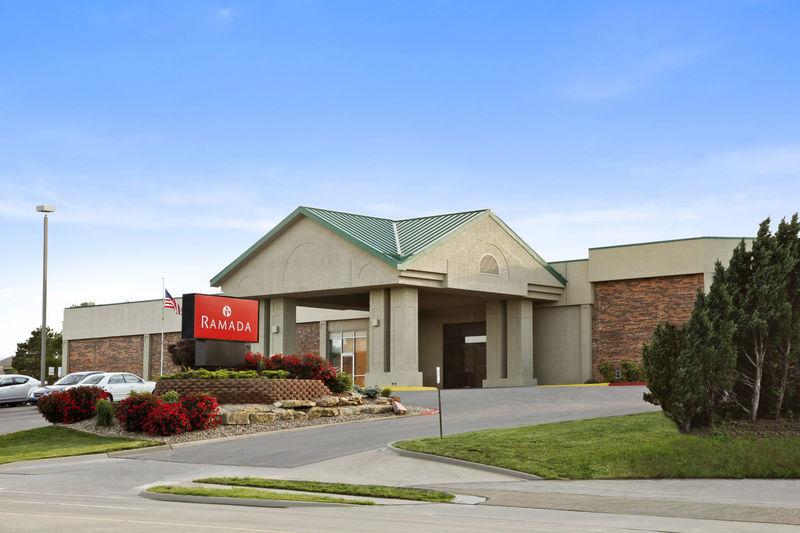 Topeka Ramada West Hotel Featured Image